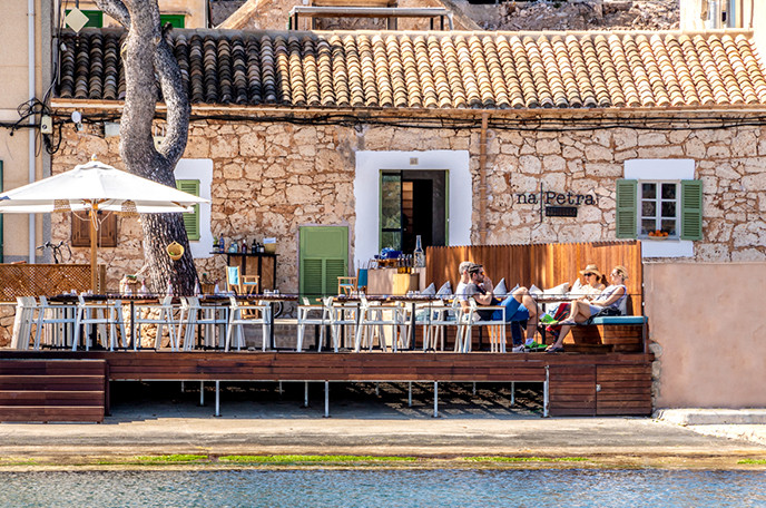 restaurant-portopetro-summer-fiestas-3